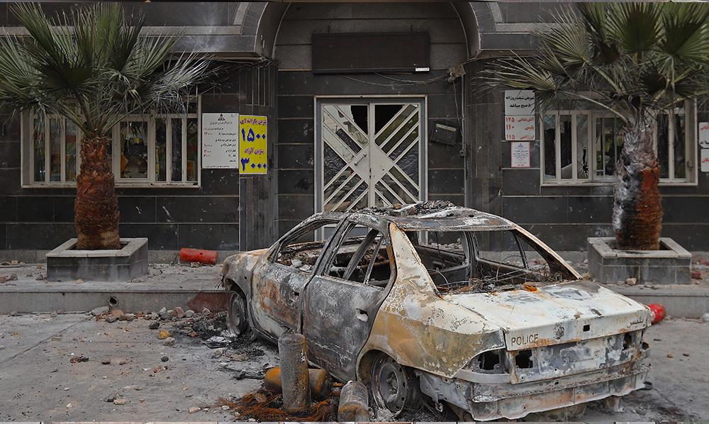 İranda öldürülən dinc etirazçıların sayı 251-ə çatdı (FOTOLAR)