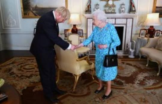 Boris Conson hökuməti formalaşdırmaq üçün Kraliçadan icazə aldı
