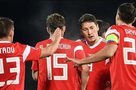 Rusiyalı futbolçular DÇ-2022-də neytral bayraq altında mübarizə aparmalıdırlar