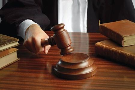 İki hakimə töhmət verildi, 5-i barəsində intizam icraatı başlanıldı