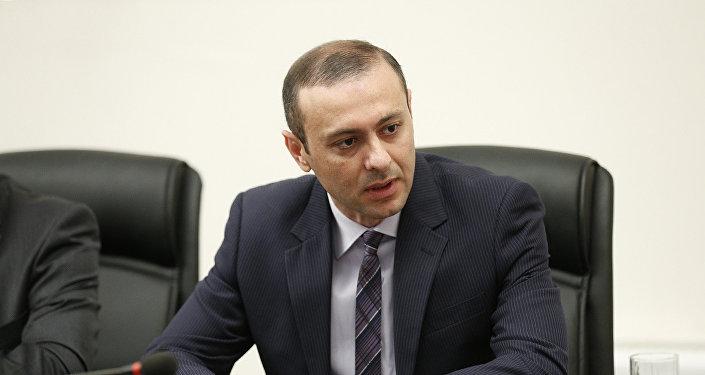 """Armen Qriqoryan: """"Hakimiyyət dəyişikliyindən sonra bir neçə dəfə çevriliş cəhdləri…"""""""