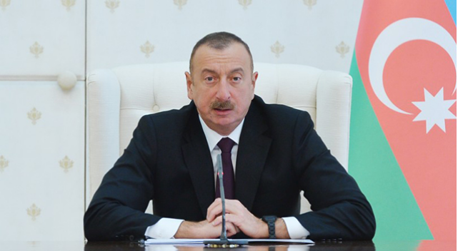 """İlham Əliyev: """"Prezident Administrasiyasında yeni insanlar lazımdır"""""""