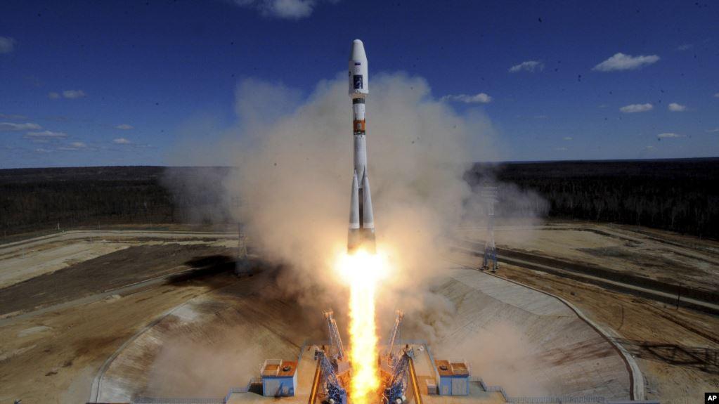Vaşinqton: Rusiyanın 2 peyki ABŞ-ın kəşfiyyat peykini izləyib