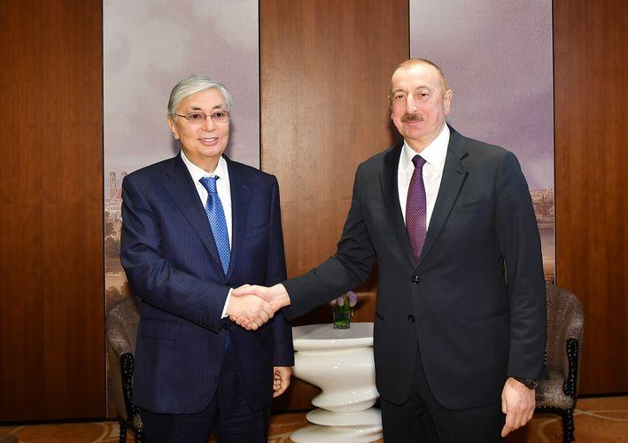 İlham Əliyev Qazaxıstan Prezidenti ilə görüşüb