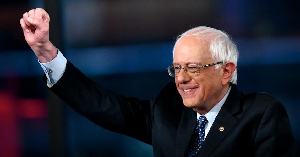 Berni Sanders prezidentlik yarışından çəkildi