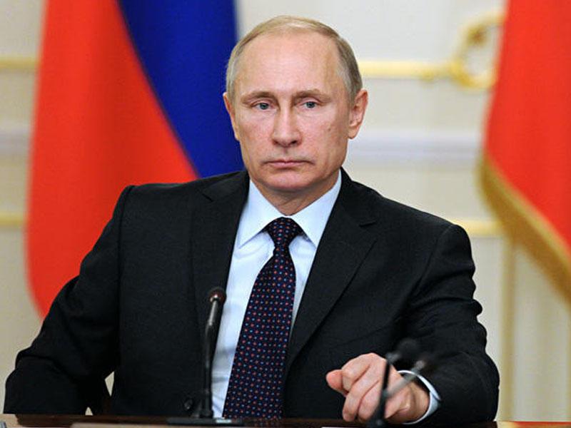 Putin Qələbə Paradının iyunun 24-də keçirilməsi haqqında sərəncam imzalayıb