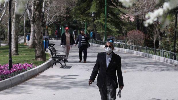 """İranda koronavirusun yayılmasının """"ikinci dalğası"""" gözlənilir"""