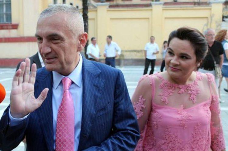 Albaniya prezidentinin həyat yoldaşı etiraz aksiyasında saxlanılıb
