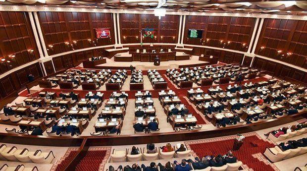 Deputatların növbəti iş günü mayın 19-da olacaq – Parlament yenidən toplanır