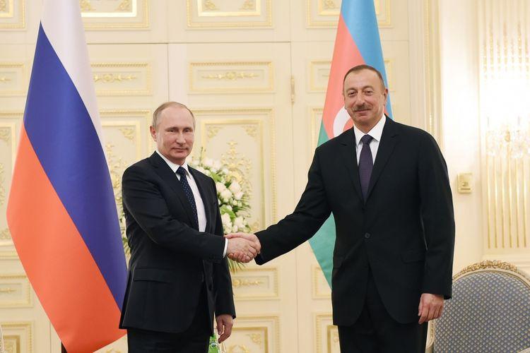 Vladimir Putin İlham Əliyevi təbrik etdi