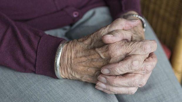 Azərbaycanda 65 yaşdan yuxarı şəxslərin evdən çıxma yasağı götürüldü –