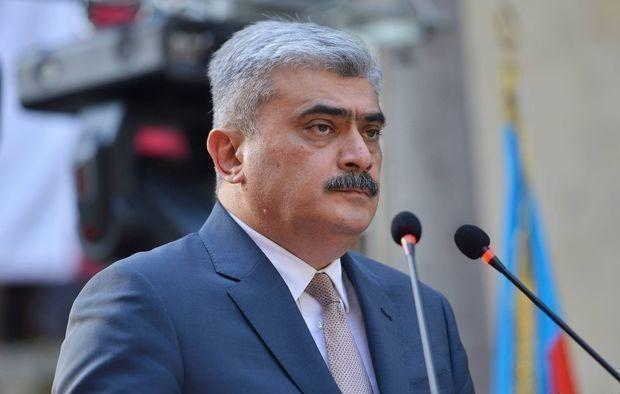 Nazir yeni deputatları tənqid etdi
