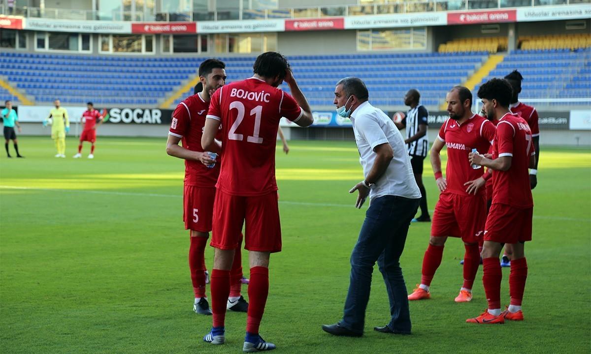 """""""Keşlə"""" 4 futbolçu ilə yollarını ayırır"""