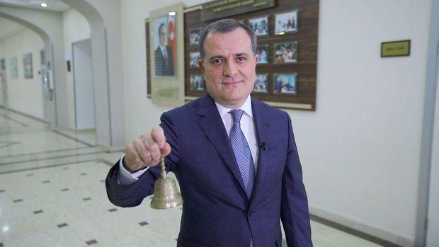 """MARAQLI: Azərbaycanda ilk dəfə onlayn məzun günü: Təhsil naziri """"Son zəng""""i çaldı –"""