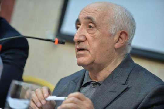 Fizika riyaziyyat elmləri doktoru Şahlar Əsgərovun 79 yaşı tamam olur
