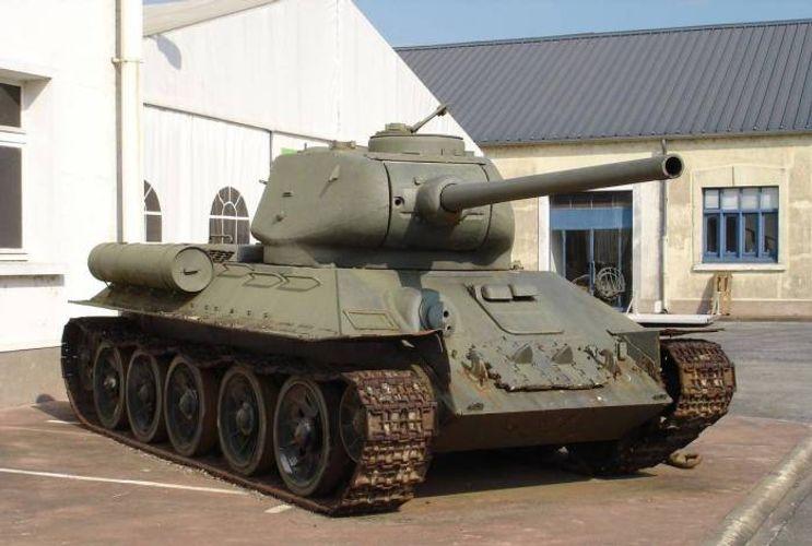 Rusiyada paytaxt sakini T-34 tankını satışa çıxarıb